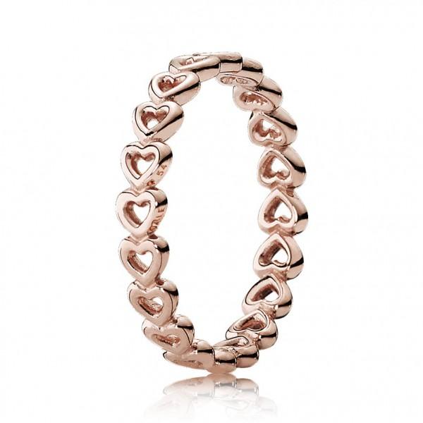 PANDORA Gereihte Herzen Ring 180177